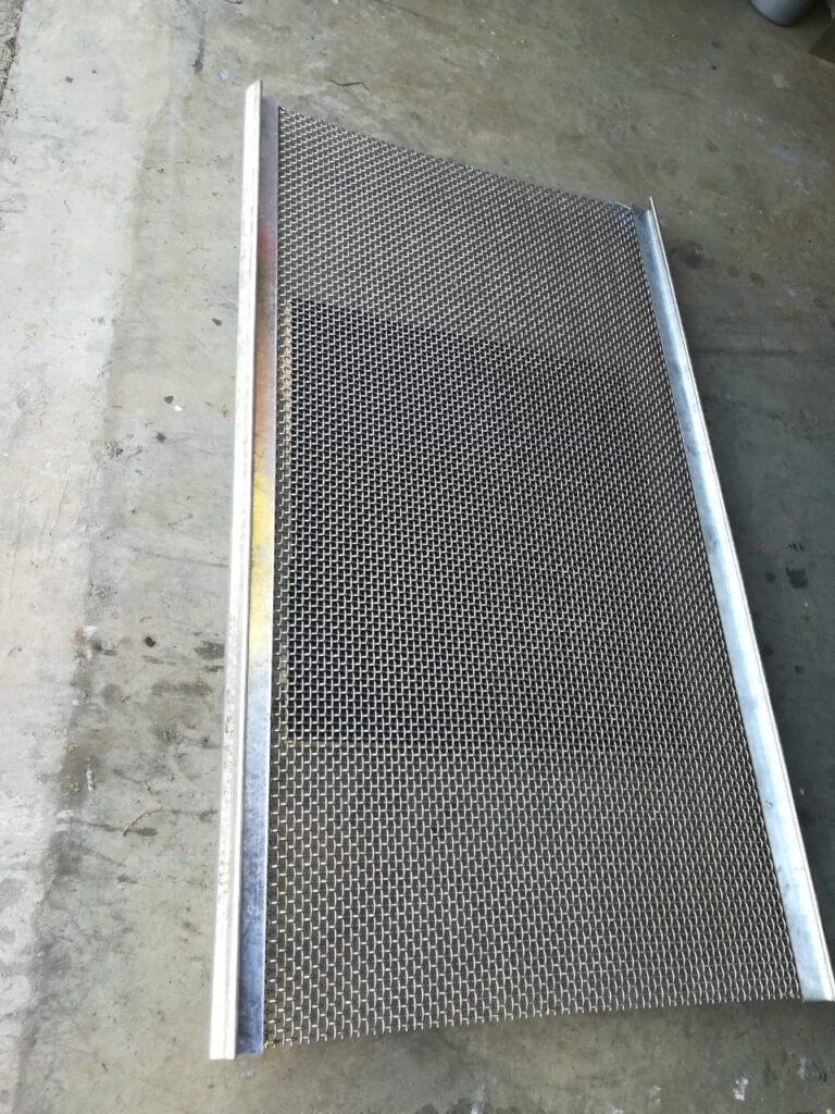 Overhook screen woven wire mesh